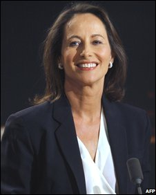 Segolene Royal at a TV station in Paris (12/11/2008)