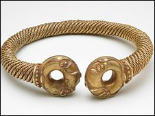 The Newark Torc. � The Trustees of the British Museum