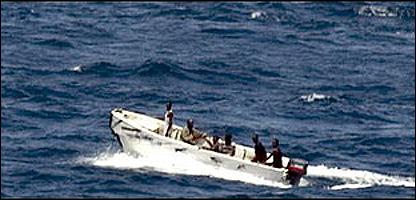 قراصنة صوماليون على متن زوارق سريعة
