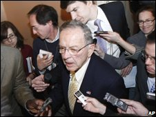 Ted Stevens (centre) and journalists on Capitol Hill in Washington, 18 November 2008