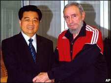 Chinese President Hu Jintao (left) and former Cuban leader Fidel Castro (right)