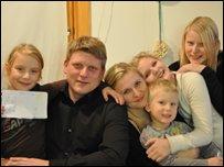 Lara, Houkur & family