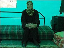 Fawzia al-Kurd, 57, in protest tent, 12.11.08