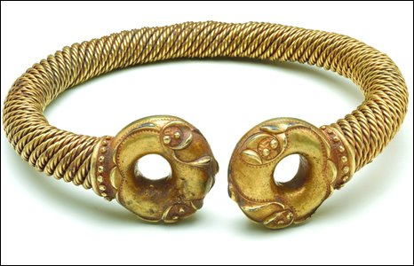 An Iron Age torc (200-50BC), found near Newark, Nottinghamshire, by a man looking for a crashed warplane.