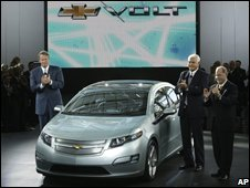 General Motors Chairman and CEO Rick Wagoner, from left, Vice Chairman, Bob Lutz, and President and COO Fritz Henderson