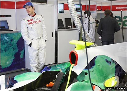 "Senna completed 107 laps of the track in Barcelona on Wednesday and said his testing with Honda had been ""very special""."
