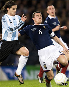 Fernando Gago and Barry Ferguson