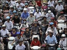 Moped drivers in Hanoi, Vietnam (28/10/2008)