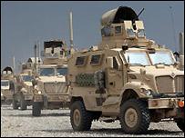 Vehículos militares estadounidenses en Irak