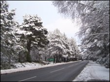 Snow on Cairngorms road [Pic:Ann McGrath]