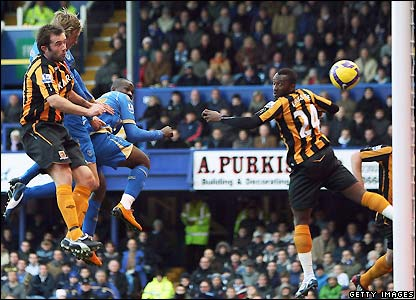 Crouch heads Portsmouth in fron tagainst Hull