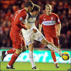 Elmander fires home Bolton's third