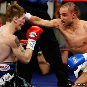 Malignaggi punches Hatton