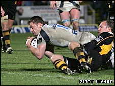 Mark Cueto goes over for the match-winning try on Sunday
