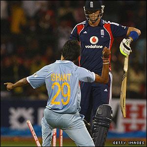 Ishant Sharma and Kevin Pietersen
