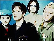Manic Street Preachers with Richey Edwards (second left)