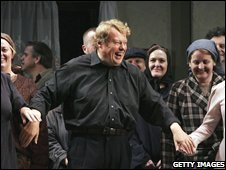 Richard Hickox at an Opera Australia rehearsal in Sydney in 2006
