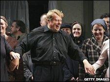 Richard Hickox at an Opera Australia rehearsal in Sydney in 2006