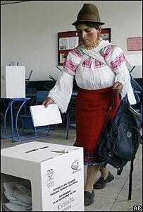 Ecuatoriana votando el pasado 28 de septiembre