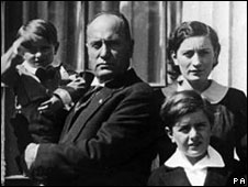 Benito and his wife Rachele Mussolini with their children in 1930