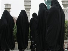 Women in Baghdad, Iraq (23/11/2008)