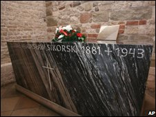 General Wladyslaw Sikorski's tomb in Krakow cathedral