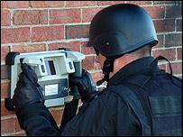 Fuerzas de seguridad utilizando el Xaver