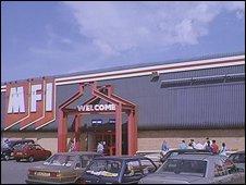 MFI store in 1990
