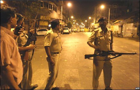 Gunmen have launched co-ordinated attacks at numerous sites in the Indian city of Mumbai, killing at least 78 people and injuring hundreds.