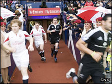 England and New Zealand take to the field for last season's final at Murrayfield