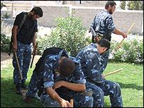 """Polic�a de Hamas (Escena del documental """"Dentro de Hamas"""")"""