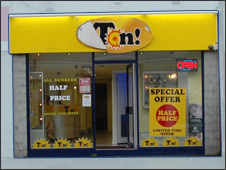 Tan in Shirley High Street