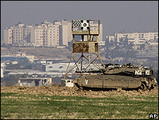 Israeli tank on the border with Gaza
