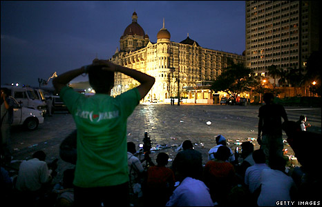 Journalists outside the Taj Mahal hotel in Mumbai as the siege continued - 28/11/2008