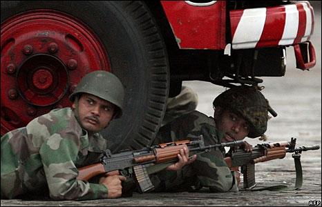 Soldiers by the Taj Mahal hotel, 29 Nov