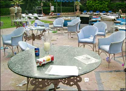 Poolside bar, Taj Mahal hotel, 29/11/08