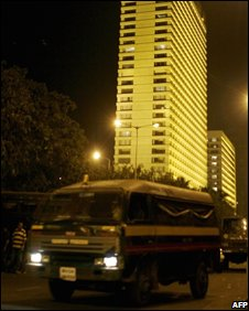 Mumbai's Oberoi hotel on 27 November, hours after the attack