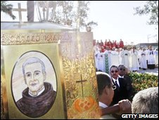 Friar Olallo's remains were taken in a procession through Camaguey