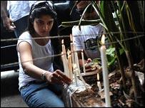 شموع لضحايا مومباي
