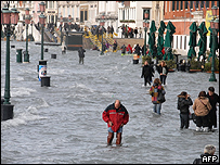 Atracadero de Venecia inundado, 1 diciembre 2008