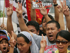 Muslims and Christians in Manila rally for peace in Mindanao Nov 2008
