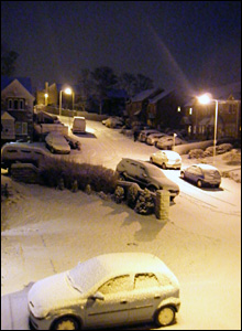 Snow-covered cars in Keighley, West Yorkshire: photo Cara Taylor