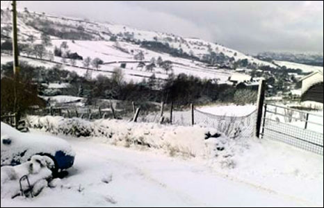 Snow in Cowpe, Rossendale: photo Barney Brannen
