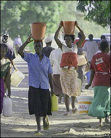 Zimbabweans take to the streets in search of water