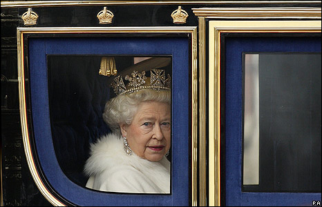 queen elizabeth ii crowned. queen elizabeth 2 crowned.