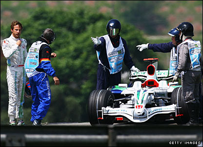 Jenson Button retires from qualifying in Brazil in 2008