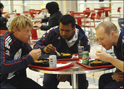 Ian Bell and Samit Patel tuck into junk food