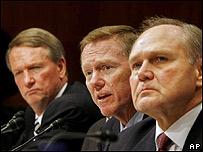 Los directores ejecutivos de General Motors, Rick Wagoner, Ford,  Alan Mulally y Chrysler,  Bob Nardelli