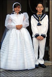 Niños españoles el día de su comunión