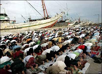 المسلمون وعيد الاضحى _45278614_indonesia_jakarta_ap